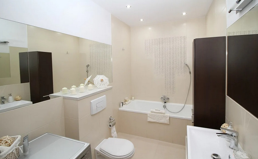 Décorer murs salle de bain